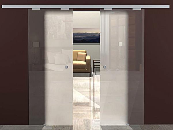 Беспороговые раздвижные двери из стекла