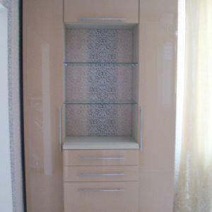 Распашной шкаф гостинная