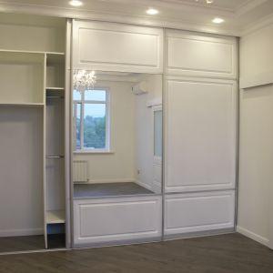Клаасический шкаф для спальни