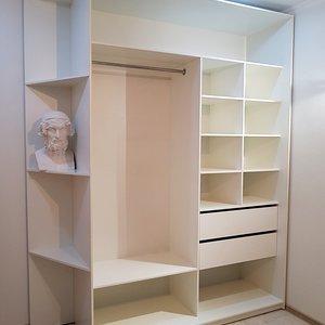 Белый шкаф для гардеробной