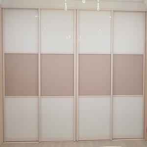 Встроенный шкаф с узорным стеклом Miracle