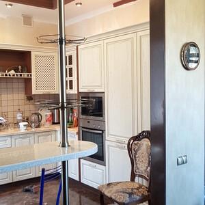 Барная стойка, вид со стороны столовой-гостиной