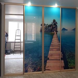 4-дверная раздвижная перегородка с фотопечатью и зеркалом