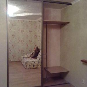 Встроенный шкаф-купе зеркальный 3