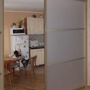 Раздвижная перегородка на кухни