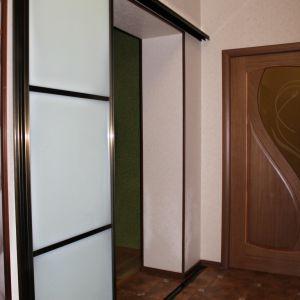 Межкомнатная перегородка с матовым стеклом триплекс 3
