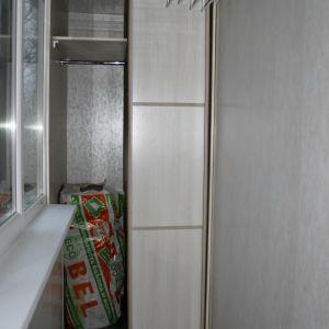 Шкаф-купе на балкон 3