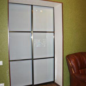 Межкомнатная перегородка с матовым стеклом триплекс 4