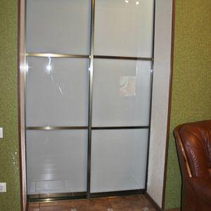Межкомнатная перегородка с матовым стеклом триплекс 5