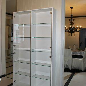 Современный шкаф для гостиной