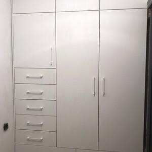 Распашной шкаф для прихожей в хрущевке