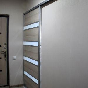 Дверь купе на кухне