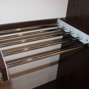 Узкий шкаф для спальни 4