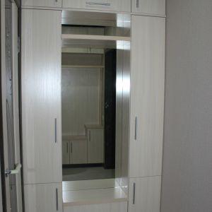 Шкаф с зеркалом в прихлжую