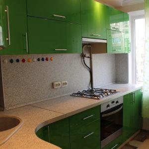 Зеленый пластиковый фасад