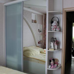 Зеркальный шкаф для спальни