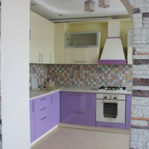 Фиолетовая кухня МДФ-пластик угловая