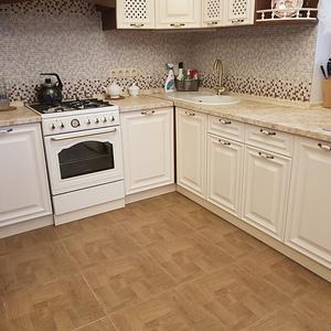 Угловая кухня столешница-подоконник