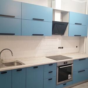 Голубая кухня из МДФ крашеного