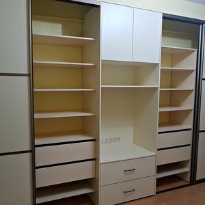 Белые шкафы для гостиной