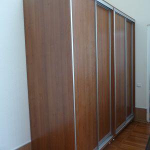 Четырехдверный плательный шкаф-купе на двоих