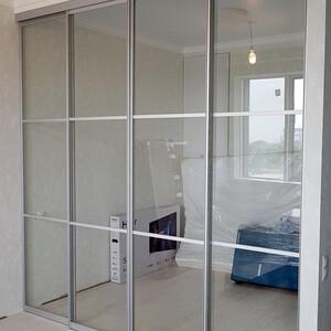 Подвесная раздвижная перегородка из прозрачного стекла Триплекс