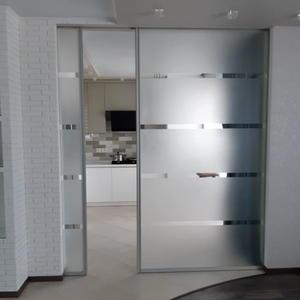 Перегородка между комнатой и кухней