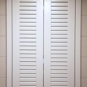 Белый шкаф в санузел