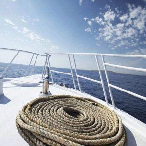 Yacht 4