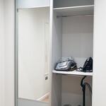 Двухдверный встроенный шкаф-купе [3]