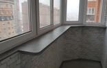 Подоконник нестандартной конфигурации на балкон