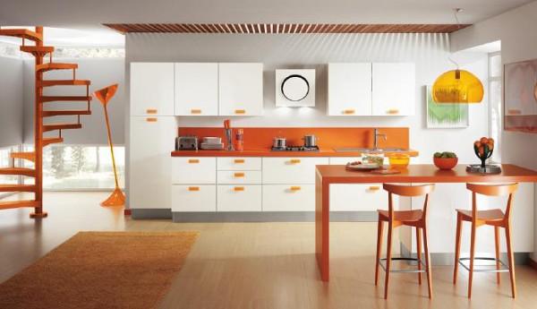 Бело-ораньжевая кухня