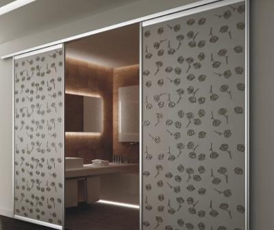 Зеркальный шкаф с панелями Сибу