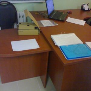 Стол в офис 2