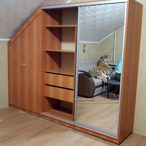 Шкаф для мансарды по индивидуальным размерам
