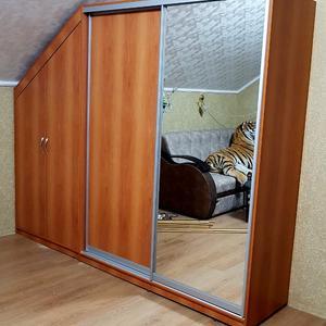 Комбинированный шкаф на мансарду