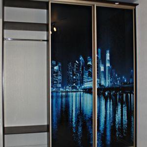 Встроенный шкаф-купе с фотопечатью и подсветкой