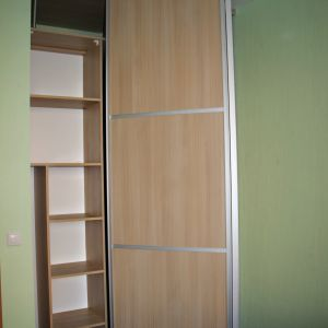 Дверь-книжка в гардеробную