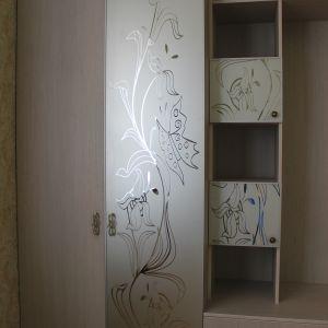 Пескоструйный рисунок на шкафах