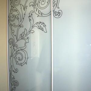 Раздвижные двери шкафа-купе, матовое стекло