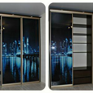 3 дверный встроенный шкаф-купе с фотопечатью и подсветкой